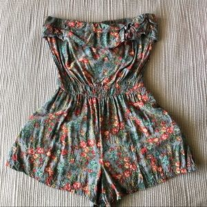 Vintage Ruffled Flowered Romper with Pockets